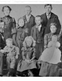 Knut and Kari Ranum family circa 1900